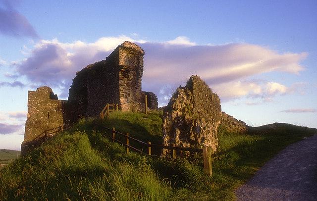 Kendal Castle by Tom Richardson